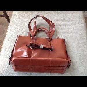 Handbags - Large handbag with adaptable straps